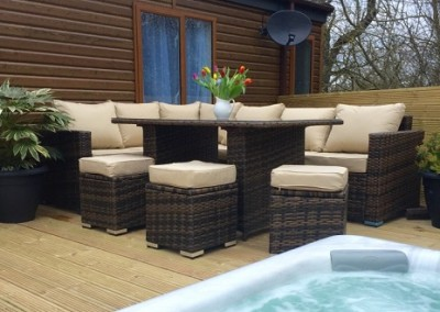 hot tub and furniture WL